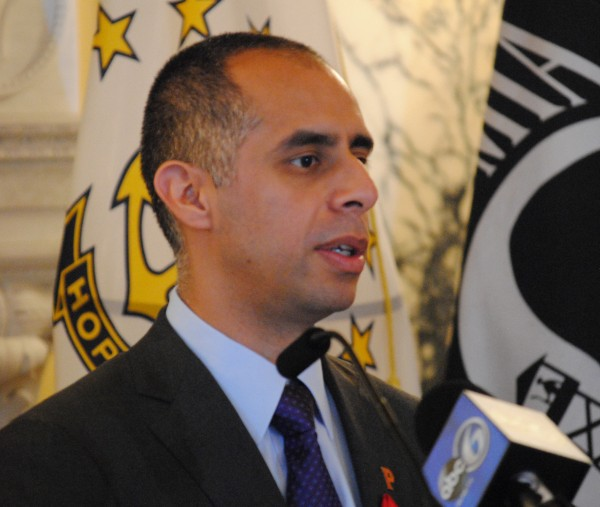 2015-11-30 World AIDS Day 006 Jorge Elorza