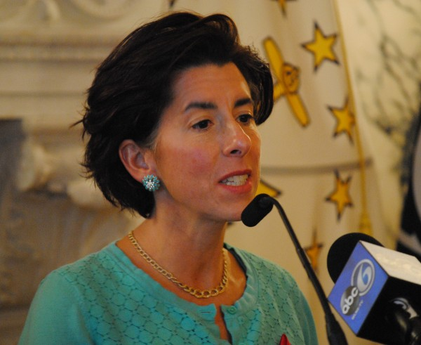 2015-11-30 World AIDS Day 007 Gina Raimondo