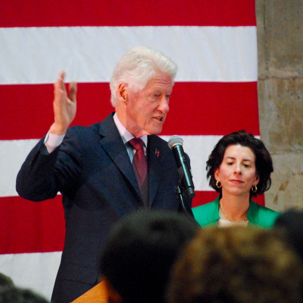 2016-04-14 Clinton in CCRI 026