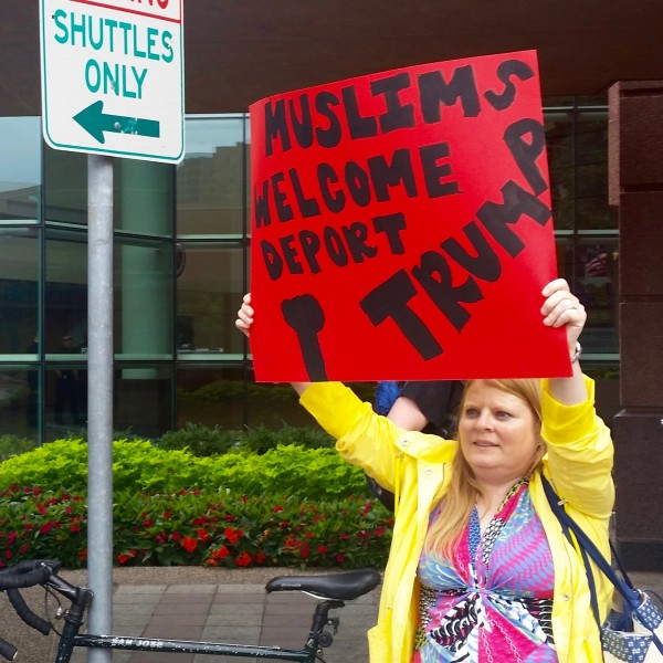 2016-08-19 MN Convention Center Protest 013