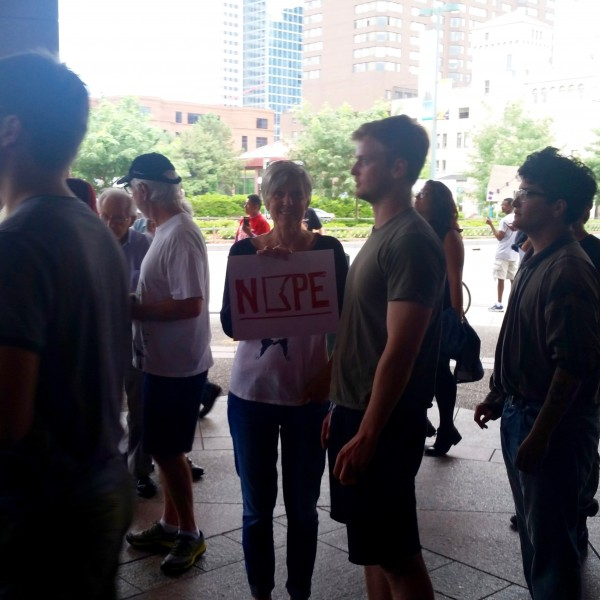 2016-08-19 MN Convention Center Protest 052