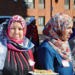 Muslims, Christians bring food and hope to the homeless