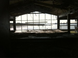 The old Shooters building at the top of Narragansett Bay has inexplicably been vacant for years. (Bob Plain)